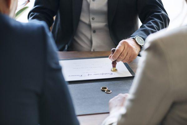 Anlaşmalı Boşanma Davası Nedir? Dava Süreci Nasıl İşler?